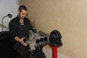Как ремонтируется дизельный двигатель на X Motors